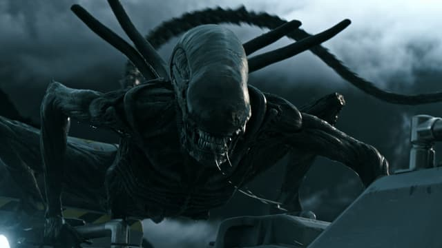 Das neueste Alien-Monster fletscht die Zähne.