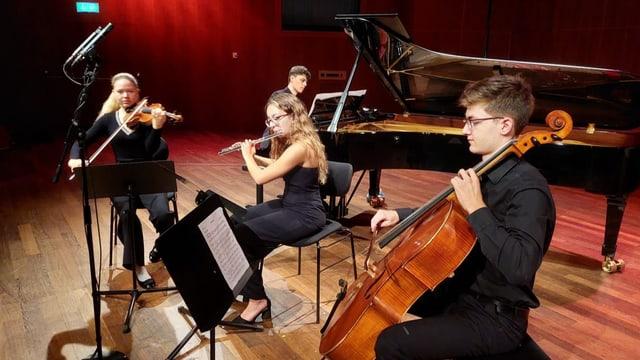 Pavillon Suisse – giuvens talents sunan – part 2