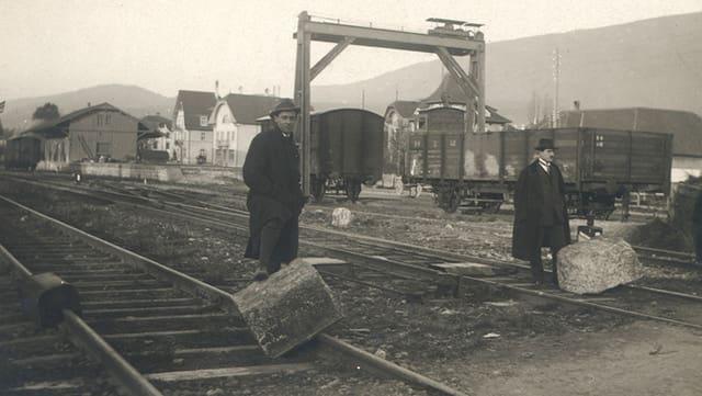 Beim Generalstreik legten Arbeiter Steine auf die Schienen und blockierten den Zugverkehr in Grenchen.