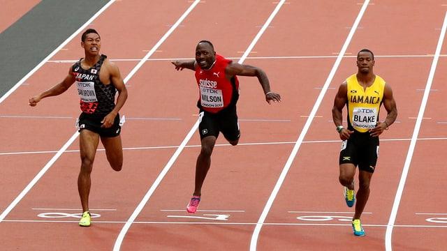 Trais atlets a la fin da lur cursa