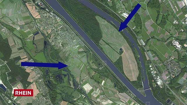 Luftbild mit Fluss, Wälder und Felder mit feinen Strukturen.