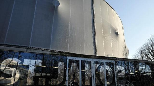 Eingang zur St.Jakob- Arena.