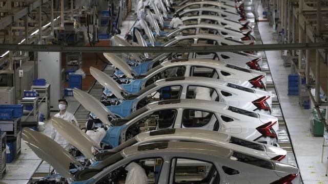 Blick in eine Autofabrik in China.