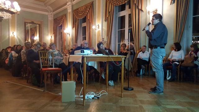 Il president Linard Martinelli maina l'80avla radunanza da la Conferenza Generala Ladina (CGL)