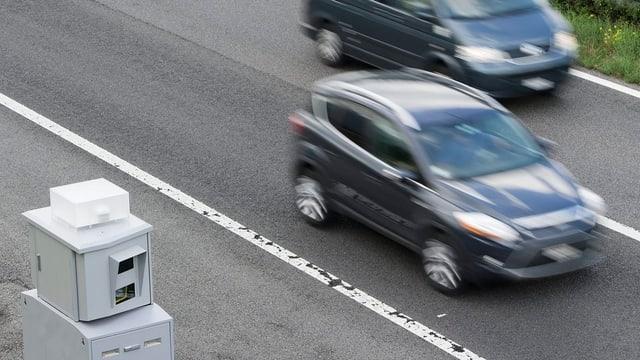 Ina mesiraziun da spertadad sin ina autostrada en Svizra. (maletg simbolic)