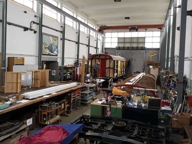 Werkstatt in hoher Halle.