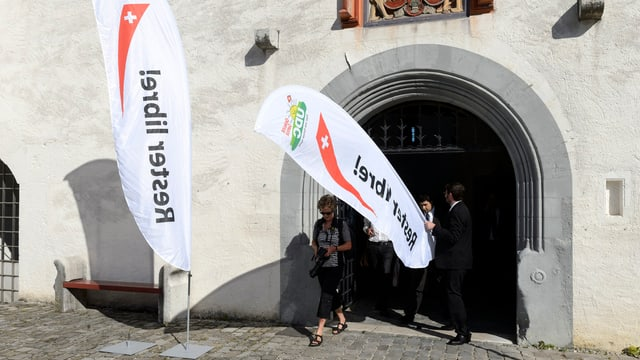 SVP-Wahlbanner in Nyon.