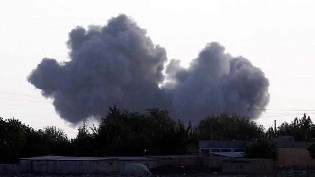 Rauchwolke über der Stadt Kobane.
