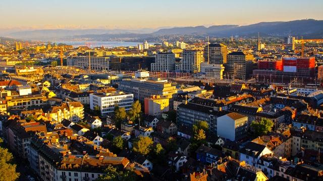 Hochsommerabend in Zürich.