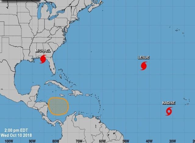 Drei Hurrikans auf dem Atlantik, schematische Darstellung.