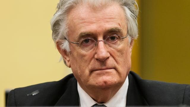 Nahaufnahme von Karadzic.