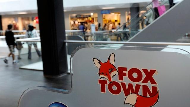 Vista interna dal center da cumpra Foxtown a Mendrisio.