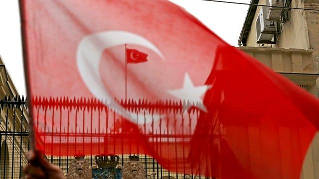 Bandiera da la Tirchia.