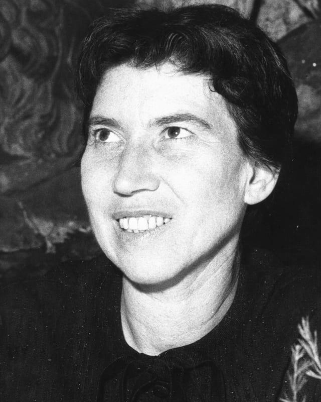 Ein Porträt von Natalia Ginzburg.