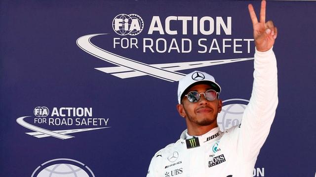64avla pole position per Lewis Hamilton.