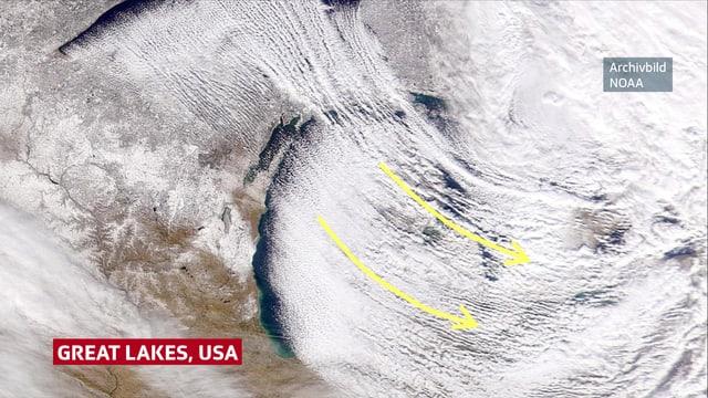 Auf einem Satellitenbild ist nur der westlichste Teil des Michigansees zu sehen. Die östliche Hälfte ist mit Wolken überdeckt.