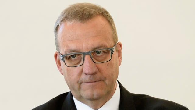 Die Lage um die Nidwaldner Finanzen bereitet dem Finanzdirektor Alfred Bossard Sorgen.