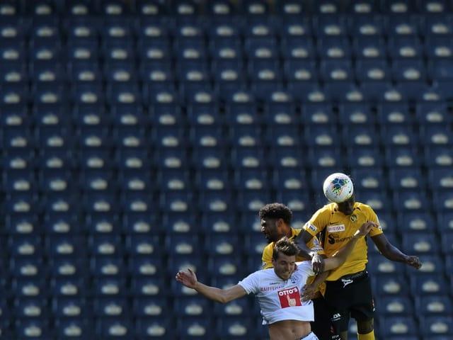 Bei Fussballspielen sind maximal 15 Zuschauer zugelassen.