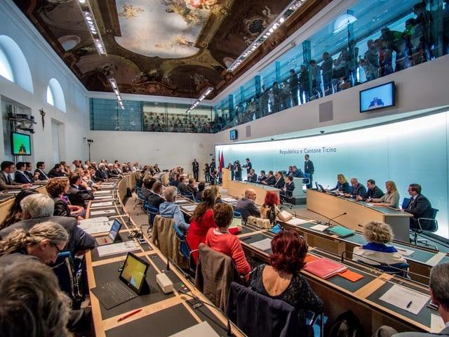 Vista en il parlament chantunal a Bellinzona.