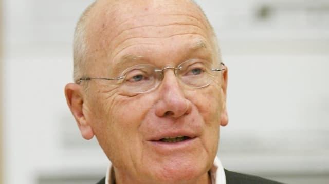 Portraitbild Carl Fingerhuth