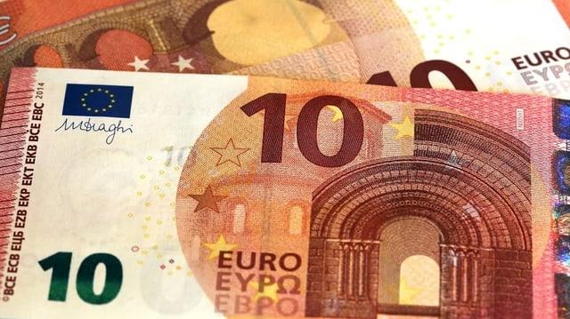 2 bancnotas da 10 euros.