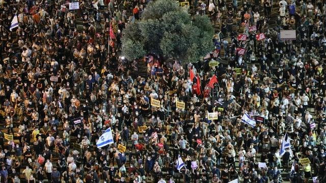 Tausende protestierten in Tel Aviv.