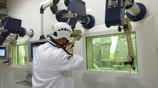 Forscher am CERN