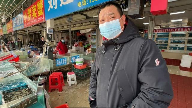 Ein Händler auf dem neuen Markt klagt über Umsatzeinbussen.