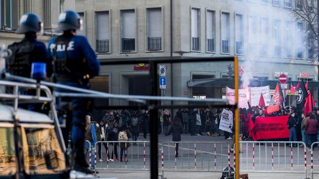 Demonstrants a Berna, preschientscha da la polizia