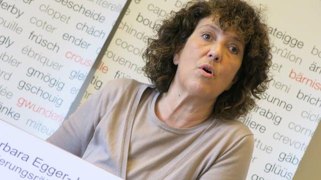 Regierungsrätin Barbara Egger an der Medienkonferenz.