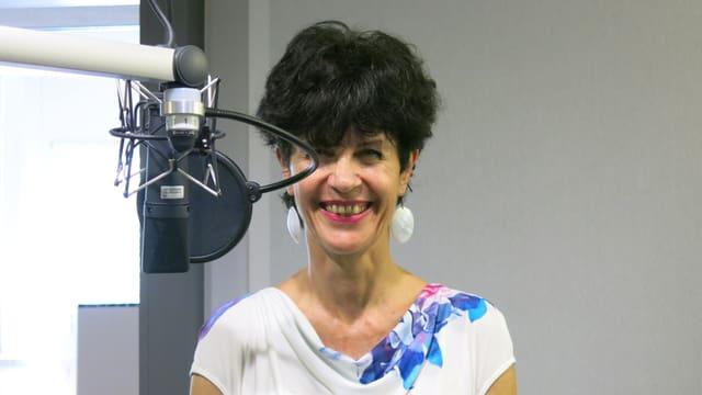 Esther Gebbers am Mikrofon