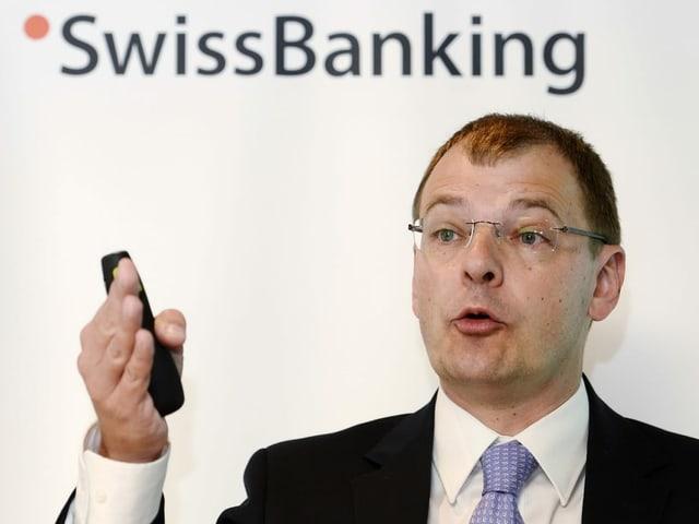 Martin Hess, il schefeconom da l'Associaziun dals banchiers da la svizra