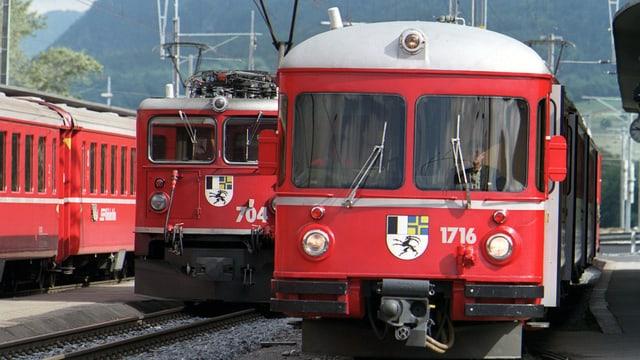 Dus trens da la Viafier retica.