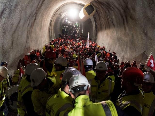Seit 2002 ist Journalist und Buchautor Alexander Grass vom Tunnelbau und seinen Menschen fasziniert.