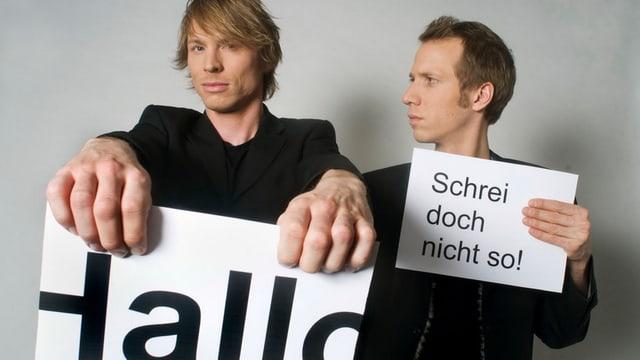 Plakat-Künstler Jonas Anderhub und Christof Wolfisberg.