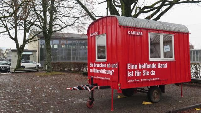 Bauwagen der Caritas in Suhr beim Schulhaus Feld