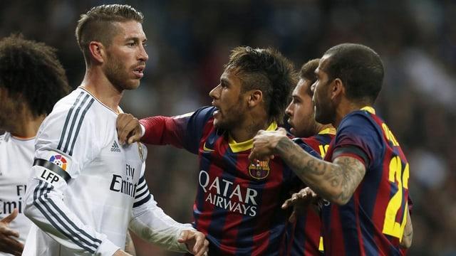 Das Duell zwischen Barcelona und Real Madrid bietet viel Zündstoff.
