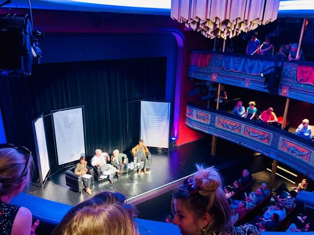 Blick auf die Bühne des Stadttheaters