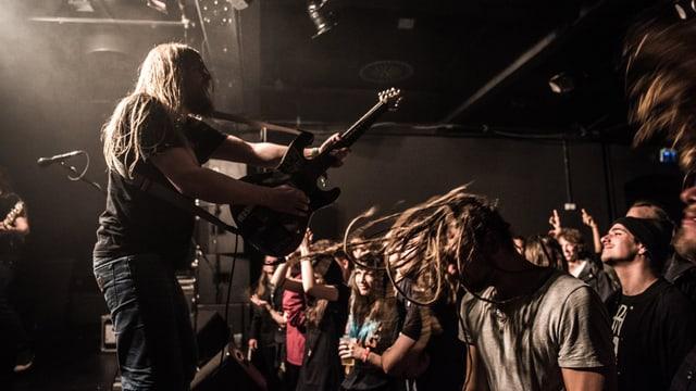 Ein Konzert einer Metal Band