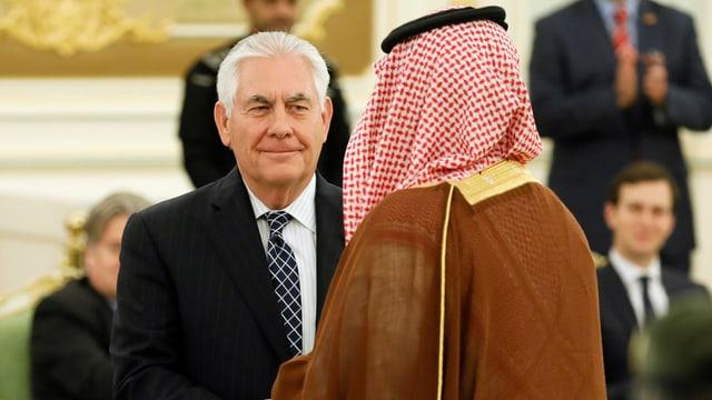 Tillerson mit dem saudischen König Salman.