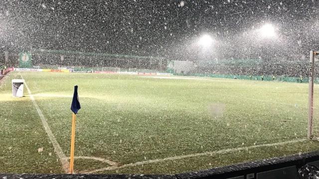 In Westfalen gingen am Dienstagabend dicke Schneeflocken nieder.