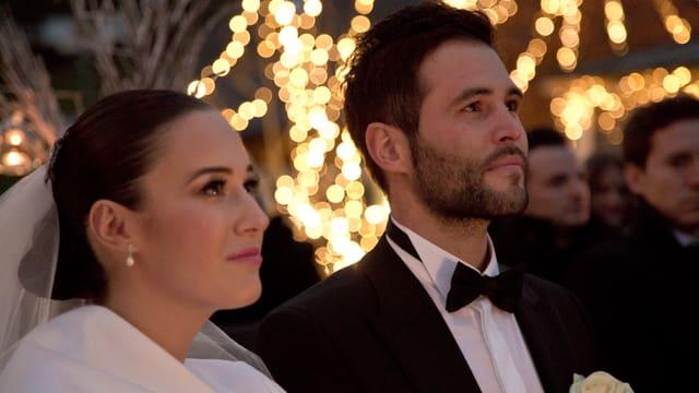 Hochzeitsfoto: Halbnahe Iva in weiss und Sandro Cavegn im schwarzen Smoking