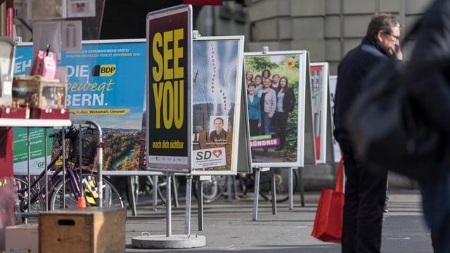 Plakate in der Berner Altstadt