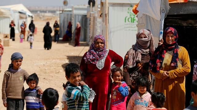 Flüchtlinge in einem Camp.