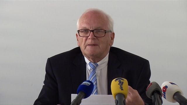 Stiftungsratspräsident Walter Bosshard an der Medienkonferenz
