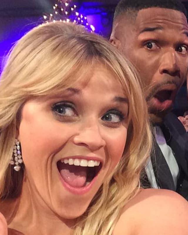 Reese Witherspoon blickt überrascht