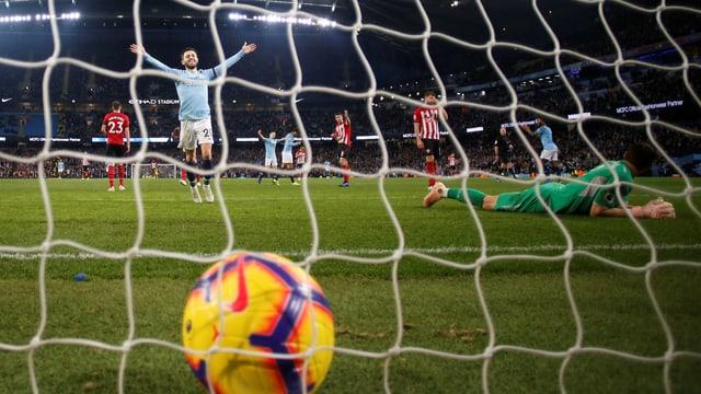 City erzielt das 6. Tor gegen Southampton.