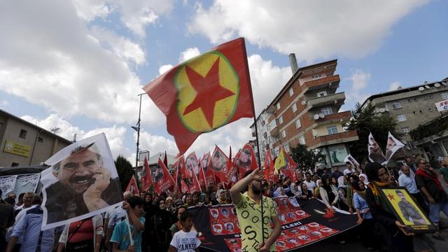 PKK-Trauermarsch in Istanbul.