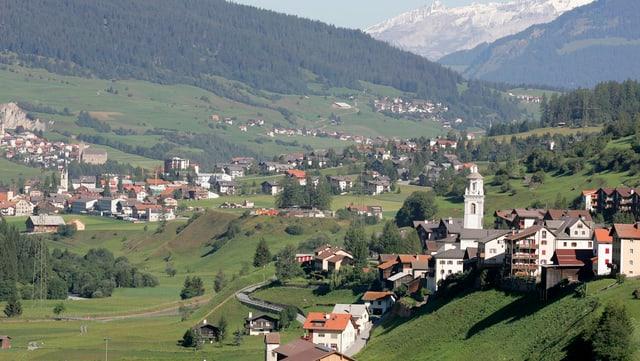 Blick auf das Dorf Savognin.