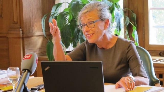 Neue Hiobsbotschaften: Schaffhausens Finanzregierungsrätin Rosmarie Widmer Gysel.